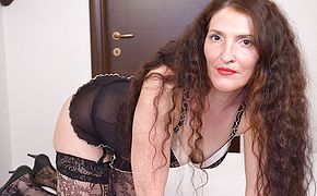 Luxurious <b>Milf</b> tugging on couch