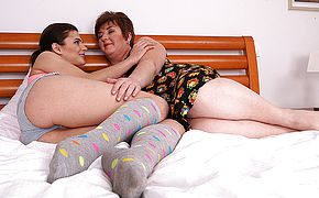 Obese mature lezzie seducing a molten youthfull honey