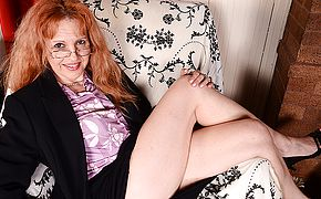 This American <b>Milf</b> luvs to have fun with her cooch