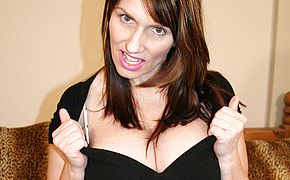 <b>Big breasted</b> mature biotch gets her panties raw