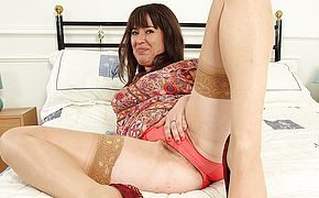 Furry Brit housewife frolicking with her labia