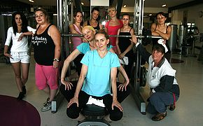 Mature girls sweating bare at the gym