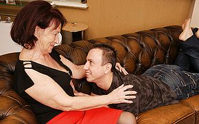 Nasty grandmother gets drilled by her toyboy