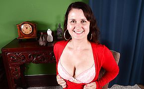 Super naughty American housewife frolicking with herself