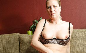 Super <b>naughty</b> housewife frolicking with herself