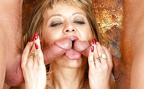 Two sausages is all this ultra kinky housewife needs to jism