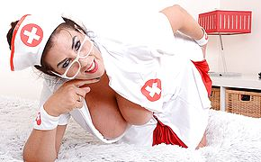 Thick jugged Lulu toying as nurse for you temperature