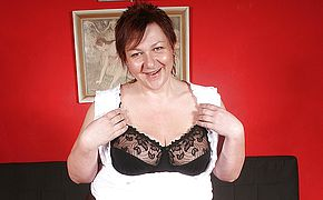This thick mama luvs to get herself to a ejaculation