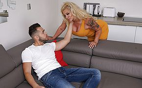 Crazy housewife blowing and banging her toyboy