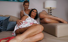 2 kinky elderly and youthfull lesbos inhaling cootchie