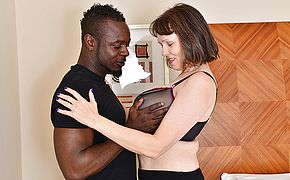 Ultra kinky Brit housewife cant get enough of her boyfriends thick ebony schlong
