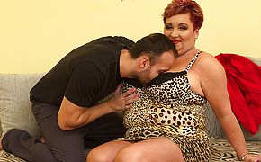 Big breasted housewife Mireila fucking and sucking