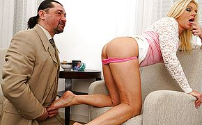 Red hot housewife nailing and gargling her paramour