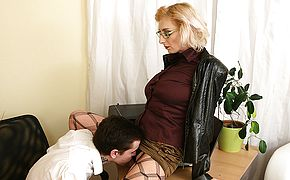 Naughty <b>mom</b> seducing a horny toy boy